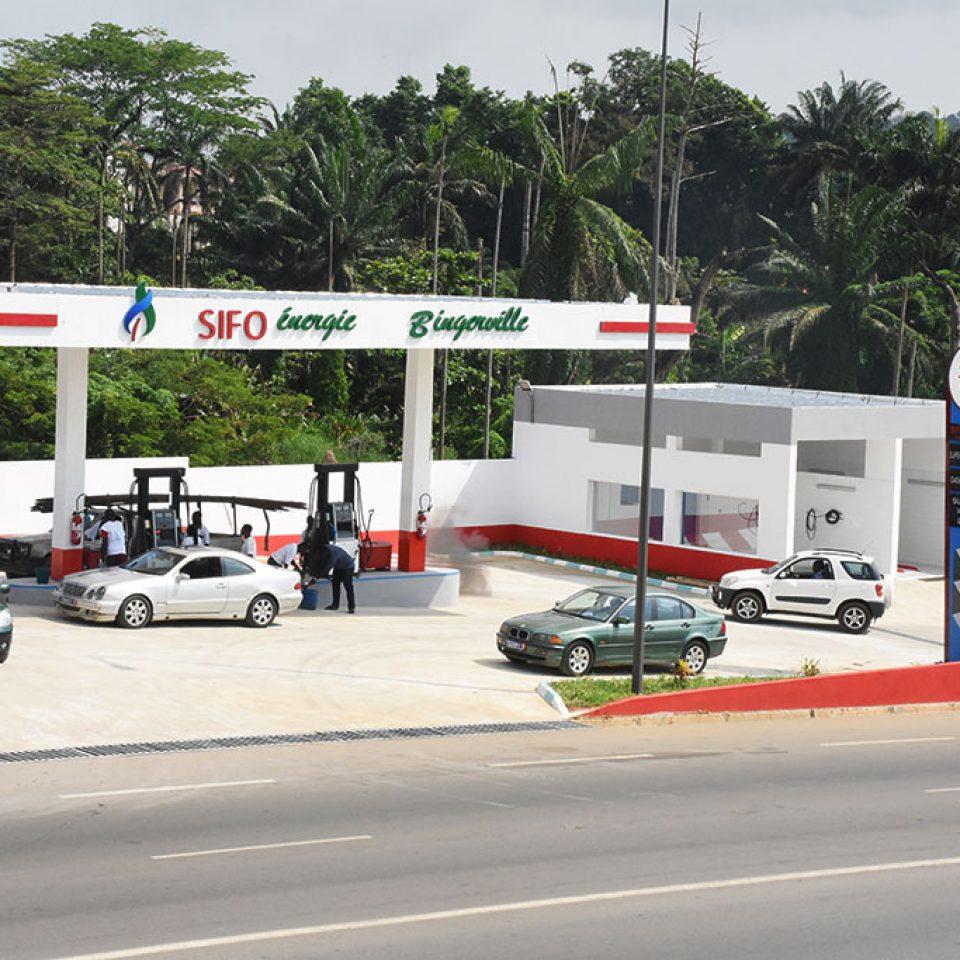 Sifo énergie est une structure de distribution de carburant Dont le siège social est situé à la Riviera route d'Abatta